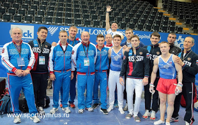 MAG team with coaches