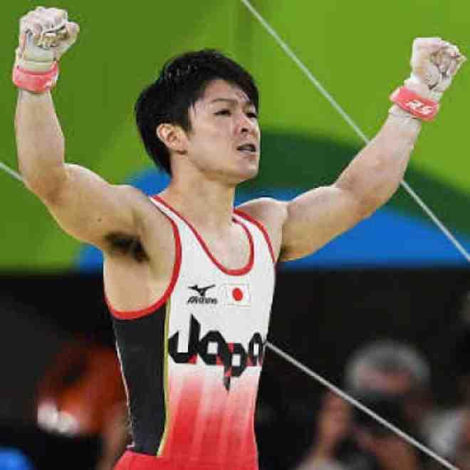 Kohei-Uchimura-160810-Celebrates-G300